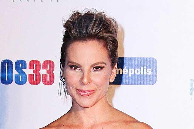 Kate del Castillo abandona su casa en Los Ángeles por incendio