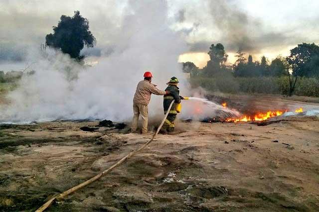 Sofocan incendio después de 36 horas por toma clandestina en Quecholac
