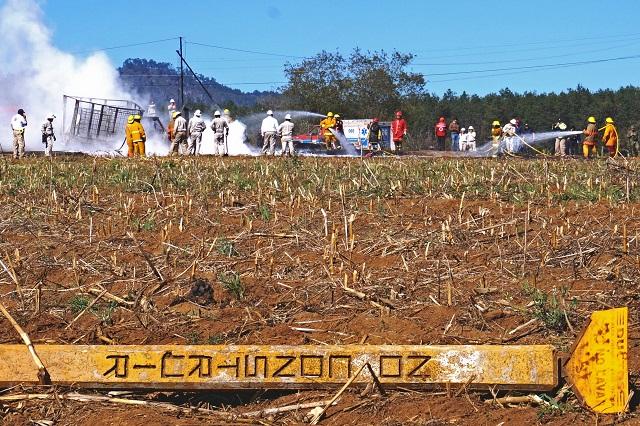 Controlan fuga de gas LP en ducto de Pemex en San Lorenzo Almecatla