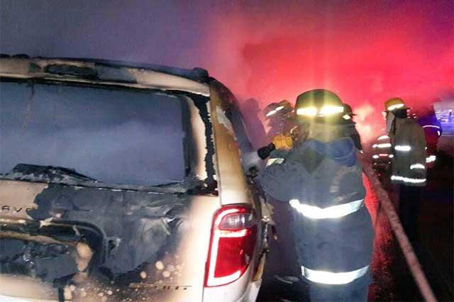 Se incendia su camioneta frente a planta VW; no hay heridos