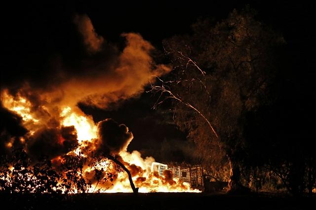 Cumple un día el incendio de toma clandestina en Quecholac