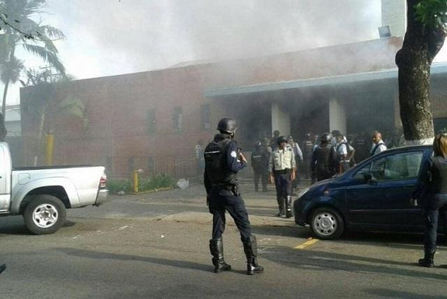 Incendio en cárcel venezolana deja un saldo de 68 muertos