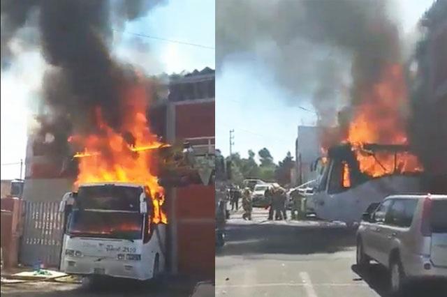 Mueren tres personas al incendiarse dos camiones en taller de Bella Vista
