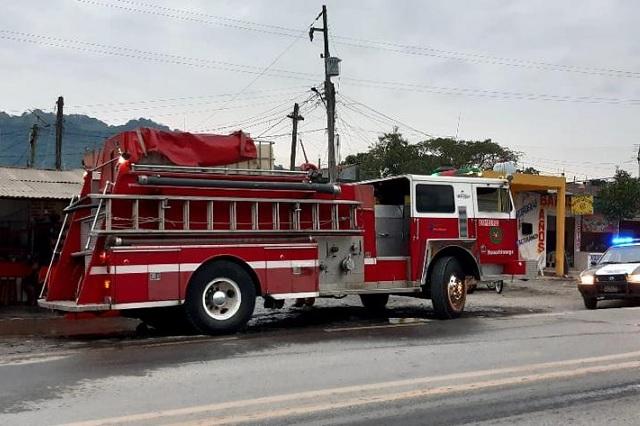Fuego acaba con dos locales en el mercado de La Ceiba