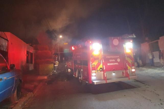 Incendio de casa habitación alerta a vecinos de Lomas de San Miguel