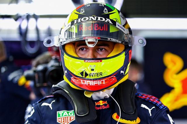Sergio Pérez vive primera sesión accidentada en Imola