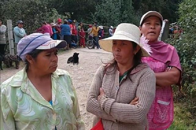 Amagan con romper tubería de obra de edil de Tlatlauquitepec