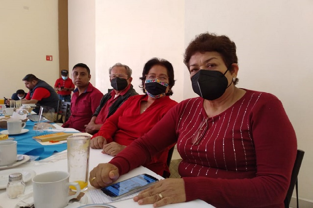 Morenistas de Coxcatlán protestan por imposición de candidato a edil