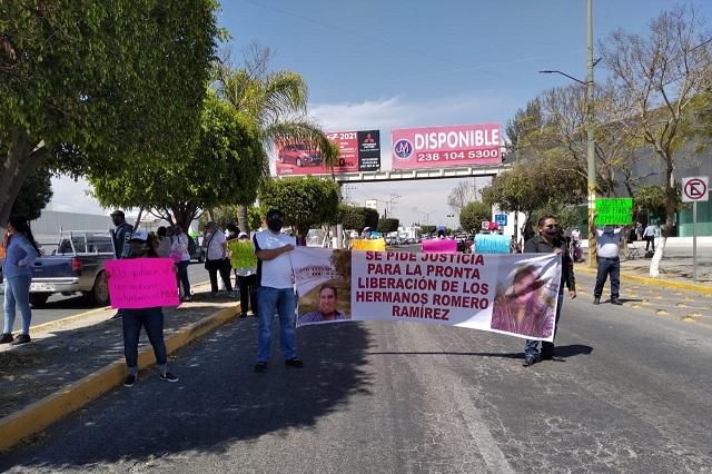 Compran celular de mujer asesinada y los detienen en Tehuacán