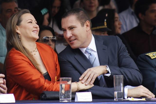 Indagar a RMV y esposa por vínculos con los Valencia, demandan a la PGR
