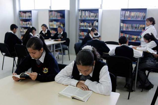 Califican con 6.4 el derecho a la educación en Puebla