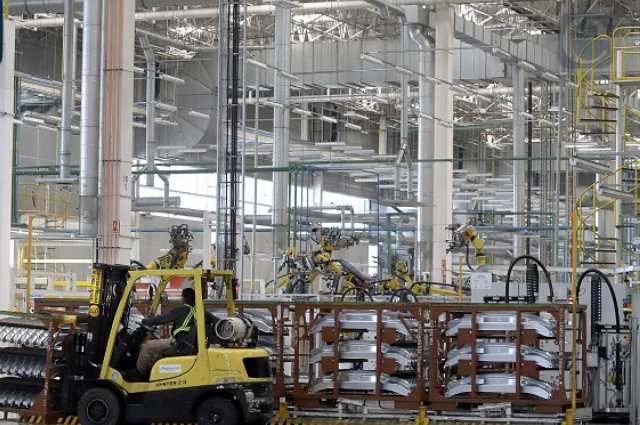 Aumentan horas de trabajo en industria manufacturera de Puebla
