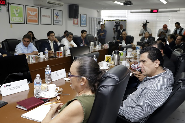 Queja de Morena contra Cárdenas por violar la veda electoral