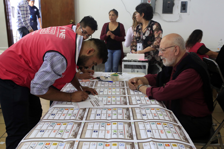 Hacen recuentos parciales de la elección presidencial en Puebla