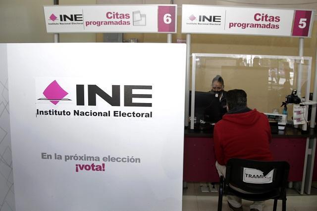 Denuncian ante el INE campañas de Ceja, Beauregard y Salvatori