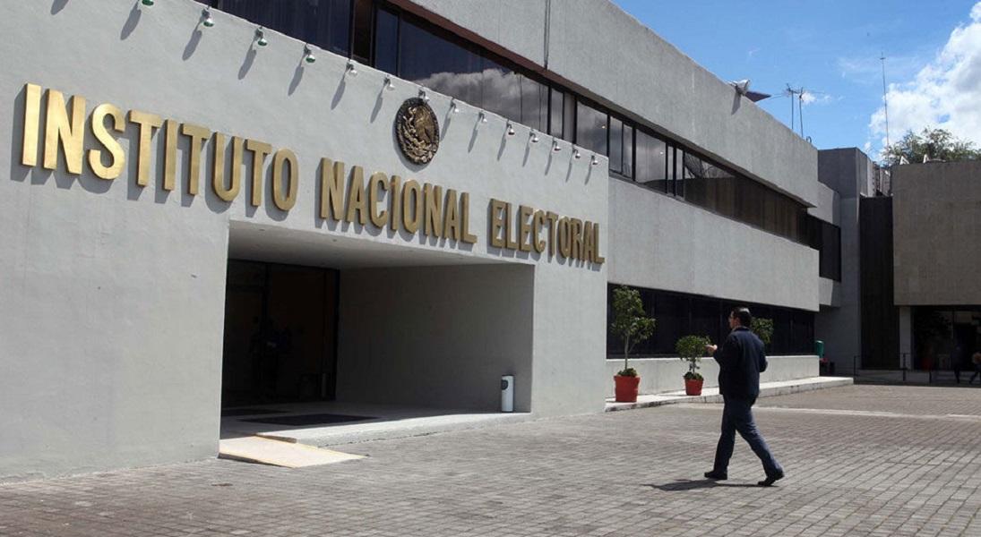 INE suspende spot del PAN que acusaba a Barbosa de lavado