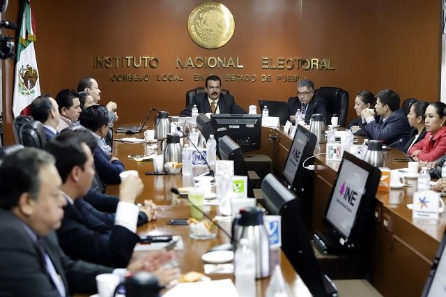 INE investiga a diputada que apoyó a Barbosa en horario laboral