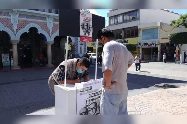 Recaban firmas en Tehuacán para enjuiciar a expresidentes de México