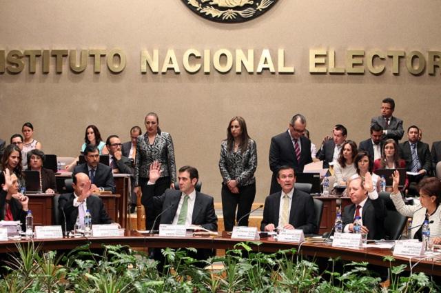 Por precampañas, INE proyecta multar con 5.6 mdp a AMLO, Anaya y Meade