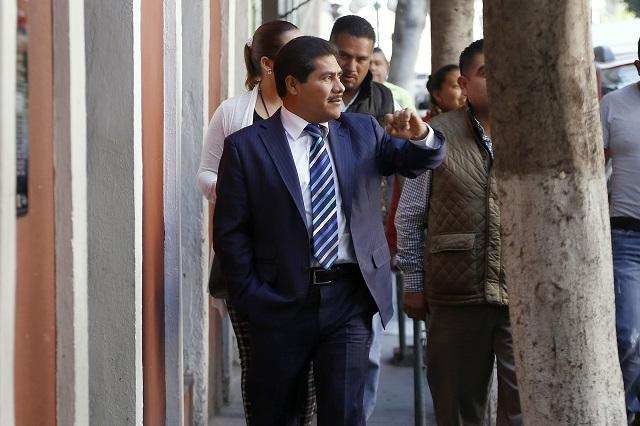 Piden revocar mandato del edil de Tecamachalco por misoginia
