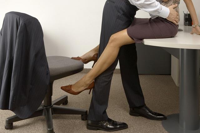 4 razones por las que un infiel no deja a su esposa para irse con su amante