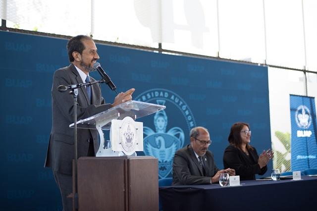 Destaca rector Esparza prestigio del Bachillerato Internacional 5 de Mayo