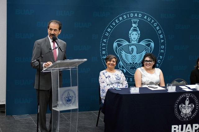 Beneficiar a la comunidad debe unir a los universitarios: Esparza Ortiz