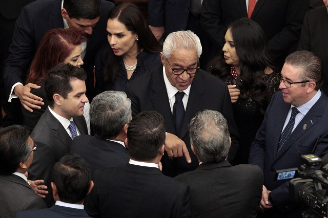 Se indagan casos, no toda la gestión de Pacheco: Barbosa