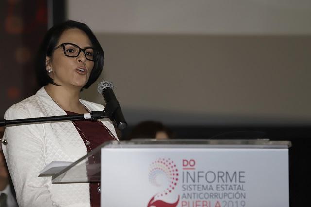 Extitular de Anticorrupción brinca al gobierno de Barbosa