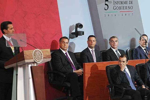 Asiste Antonio Gali al quinto informe de Enrique Peña Nieto