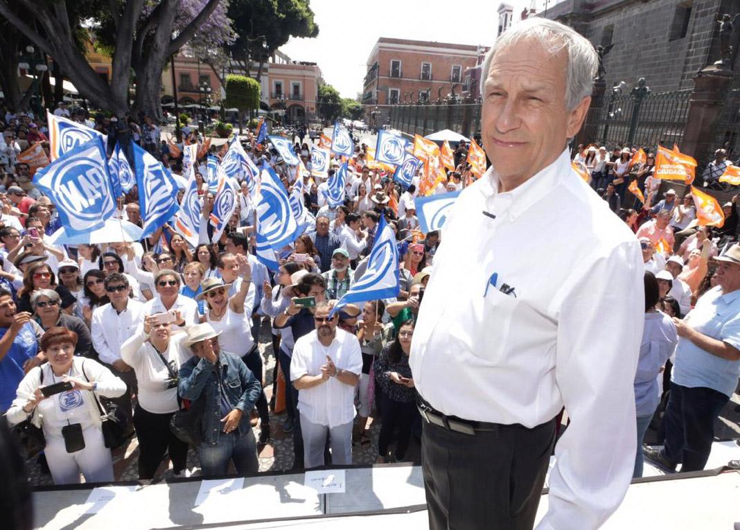 Inicia Cárdenas campaña sin líder panista y va contra la corrupción
