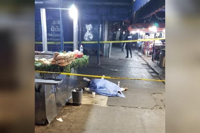 Hombre muere mientras comía tacos frente a la CAPU