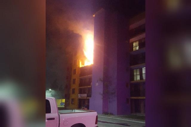Fuga de gas causa incendio en fraccionamiento de Coronango
