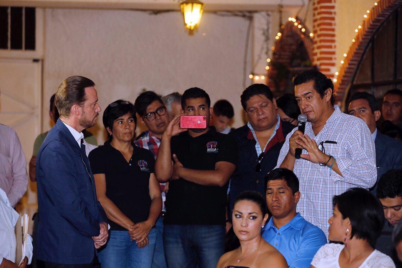 Sostiene Luis Banck reunión con vecinos de Vista Alegre