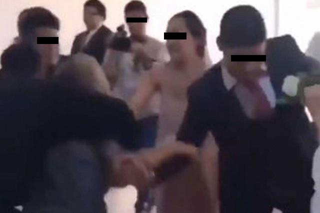 Video: Mujer irrumpe en boda de su ex para pedirle que no se case