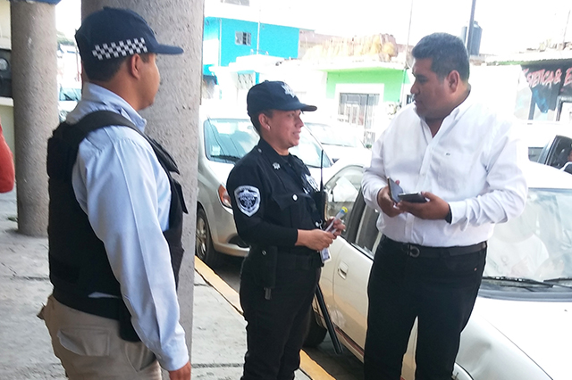 Policía de San Andrés intimida a comitiva de Quéchol Gómez