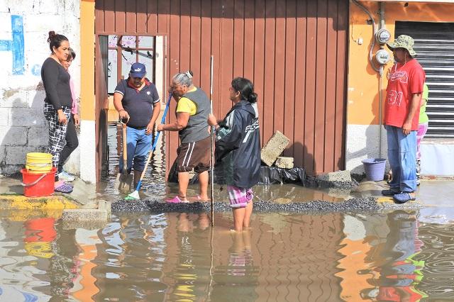 Mantiene CEASPUE operativos en zonas afectadas por lluvias en la capital