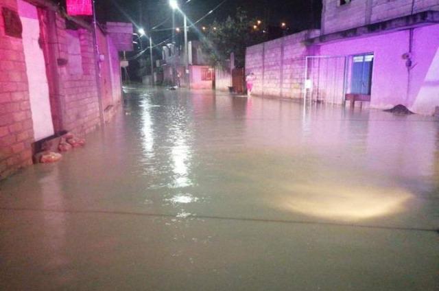 Fuertes lluvias causan inundaciones en Tehuacán