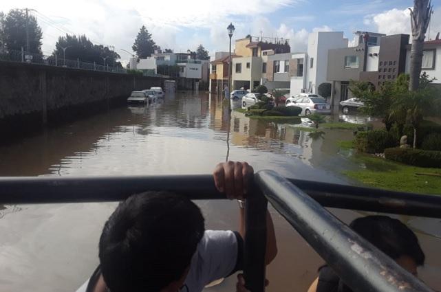 Atiende gobierno a afectados por inundación en Cuautlancingo