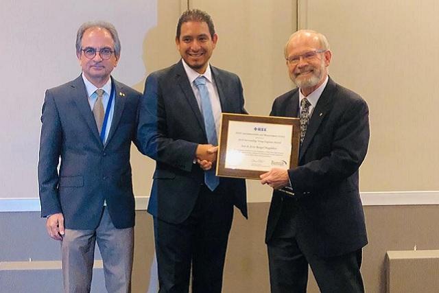 Investigador del INAOE recibe premio de ingeniería en Nueva Zelanda