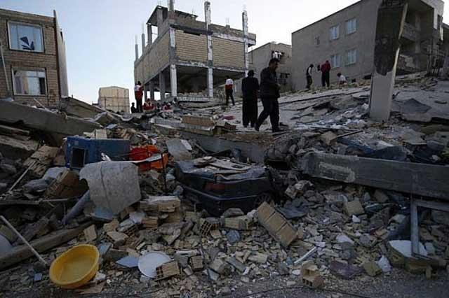 Terremoto en Irak deja un saldo de 330 personas muertas y 4 mil heridos