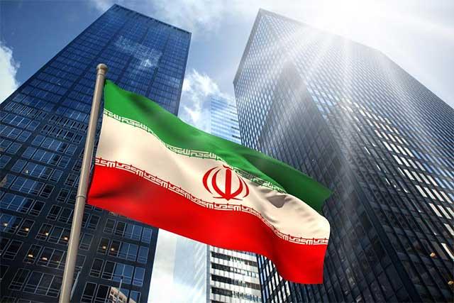 Irán responde a Trump y prohíbe la entrada a estadounidenses