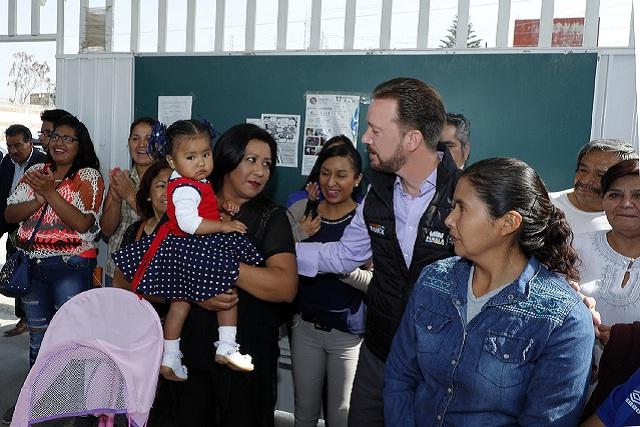 Con rehabilitación de sanitarios se benefician en San Isidro Castillotla