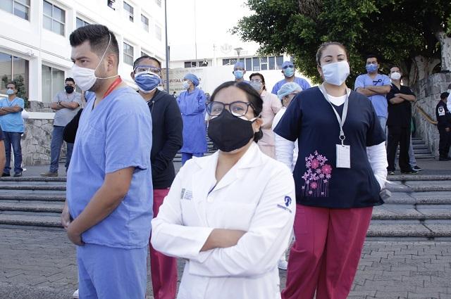 En médicos y enfermeras, 757 contagios de Covid en Puebla