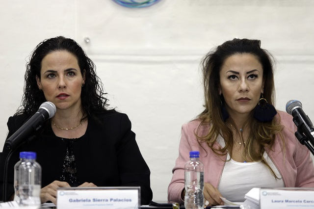 Chocan comisionados en instituto de transparencia de Puebla