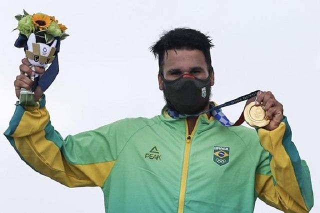 Ítalo Ferreira consigue oro en debut del surf en JJ. OO.