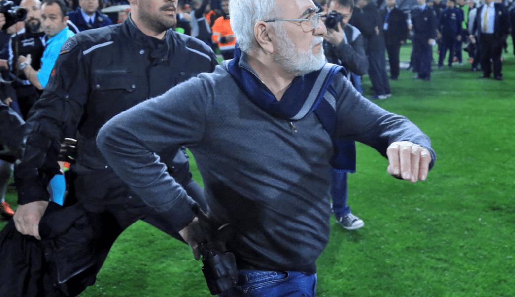 Suspenden fútbol en Grecia por ingreso de directivo armado