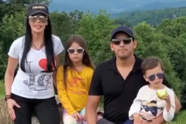 Iván Aguilera y su esposa Simona reaparecen en redes sociales