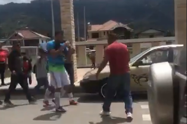 VIDEO: Ex jugador del Puebla Iván Kaviedes noquea a hombre y lo manda al hospital