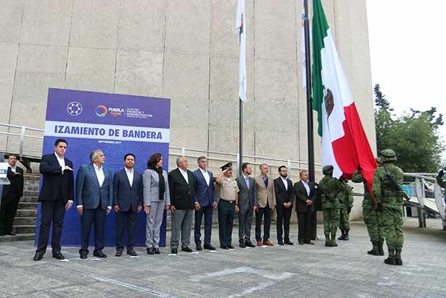 Participa el gobernador Gali en el izamiento de bandera en SFA